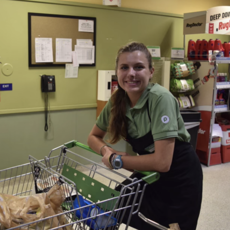 Hannah Messer working at Publix.
